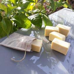 savons et pochette à savon